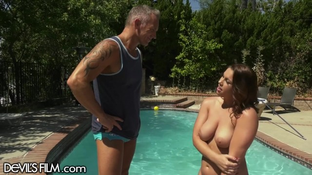 Married BBW Squirts on Poolboy's cock Devils Film