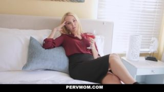 Hot Stepmom Seduces and Creampied by Son PervMom